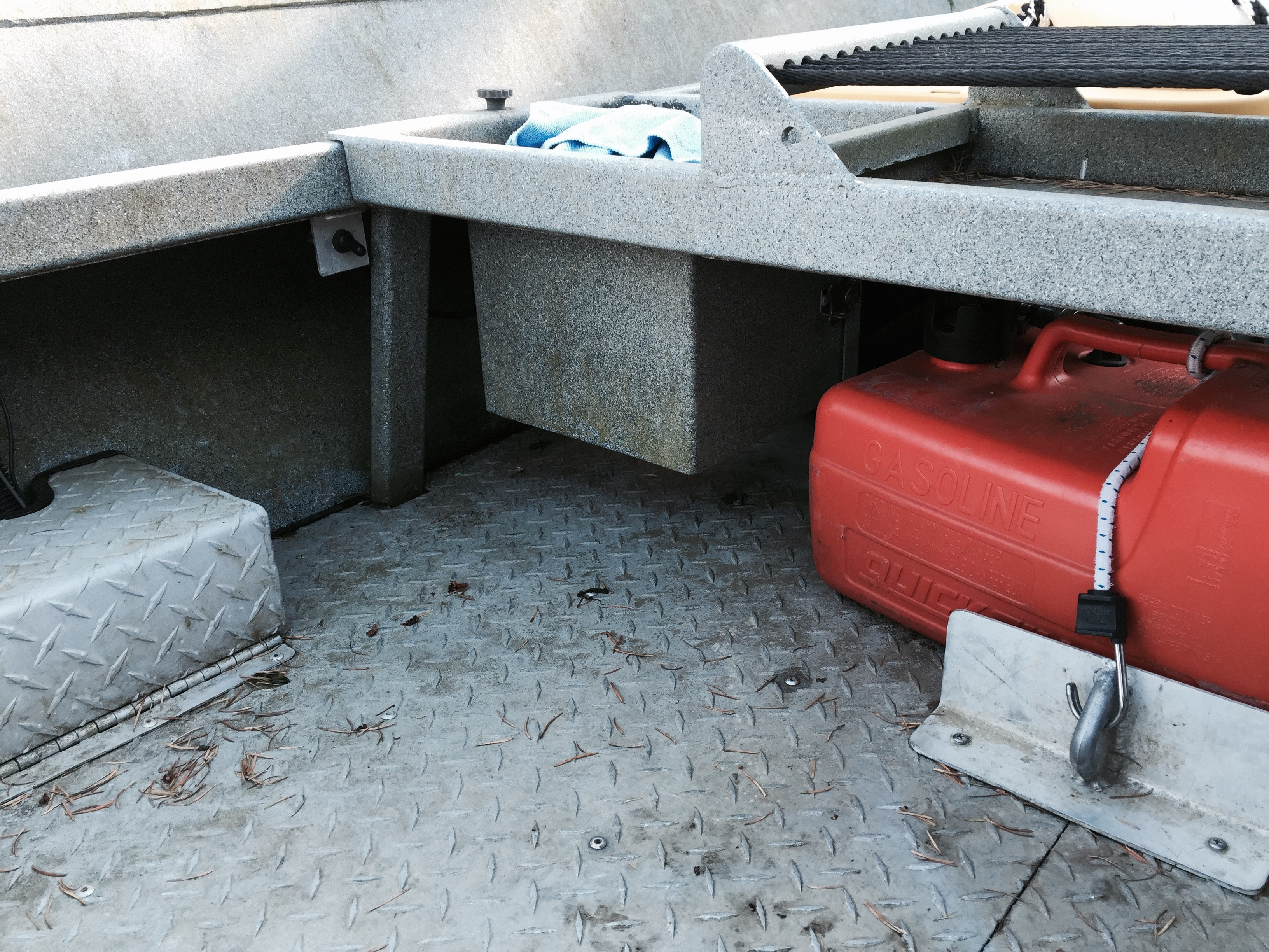 how to keep rv battery charged in storage